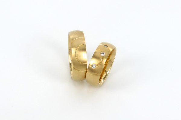 Gelbgold 585