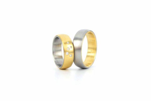 Gold-Stahl